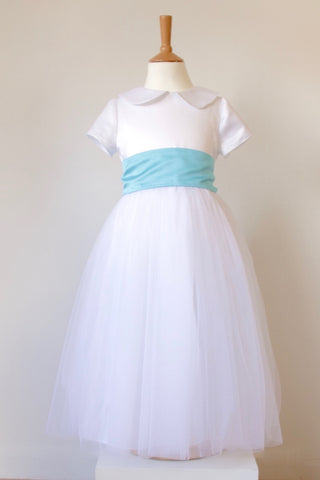 Waisted dress with Tulle skirt and Straight sleeve