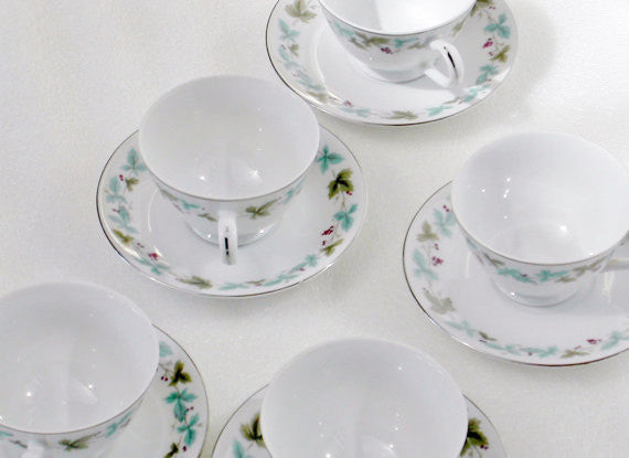 Vintage 6701 Fine China Footed Cups & Saucers Vintage 6701 Pattern - The Wicker Form - 3