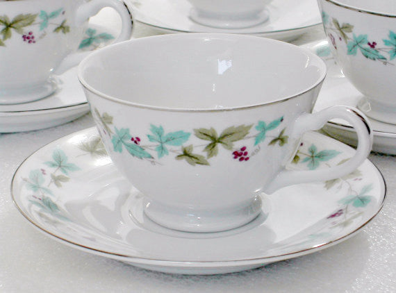 Vintage 6701 Fine China Footed Cups & Saucers Vintage 6701 Pattern - The Wicker Form - 5