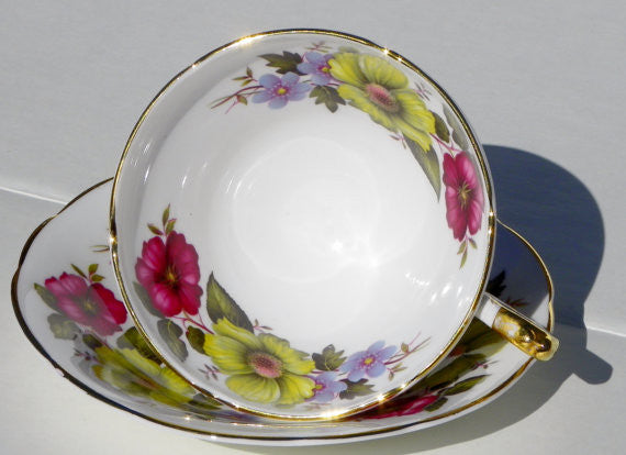 Royal Sutherland English China Teacup and Saucer China & Porcelain - The Wicker Form - 3