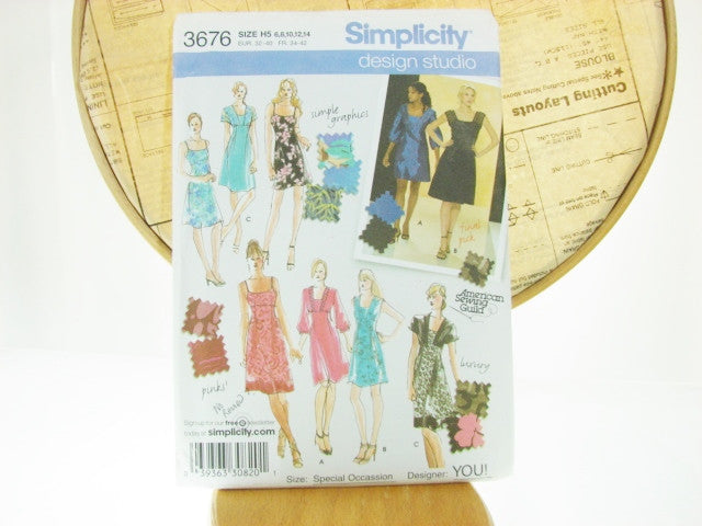 Simplicity Pattern 3676 Special Occasion Dresses Sewing Supplies - The Wicker Form - 1