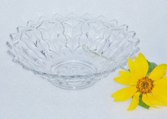Vintage Footed Crystal Bowl With Pointed Edge Crystal - The Wicker Form - 4