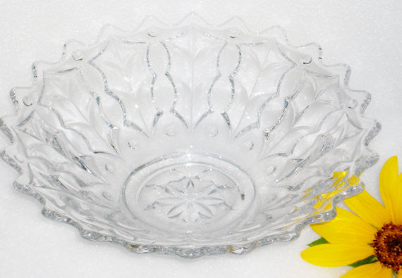 Vintage Footed Crystal Bowl With Pointed Edge Crystal - The Wicker Form - 1