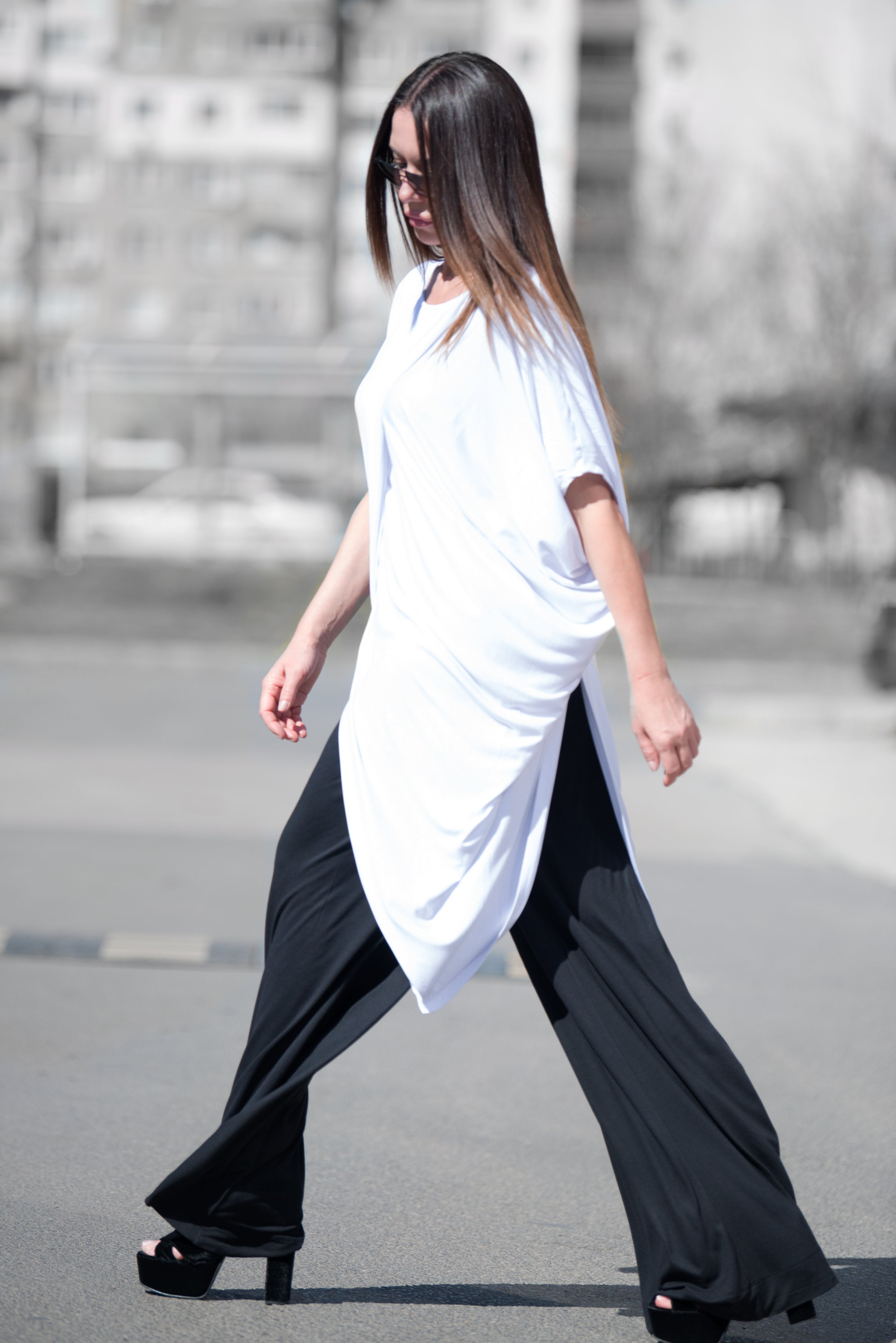 White Asymmetric Summer Sleeveless Tunic Top, Loose Long Woman Clothing