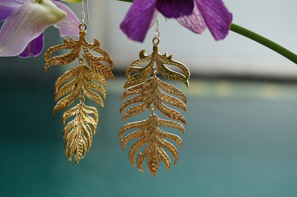 Leaf earrings - brass