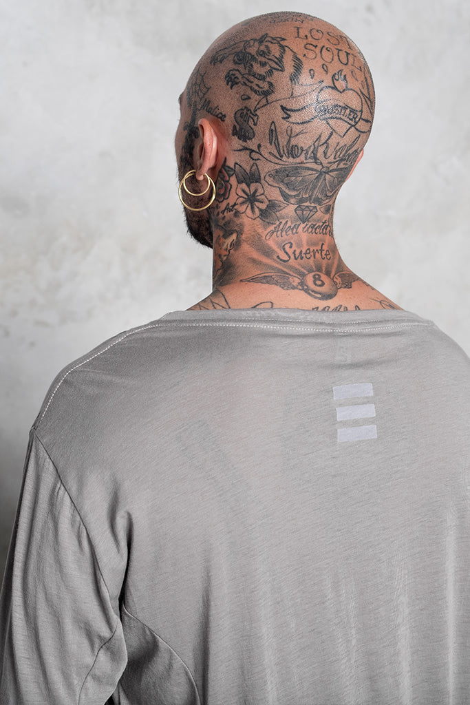 Long sleeve lines grey