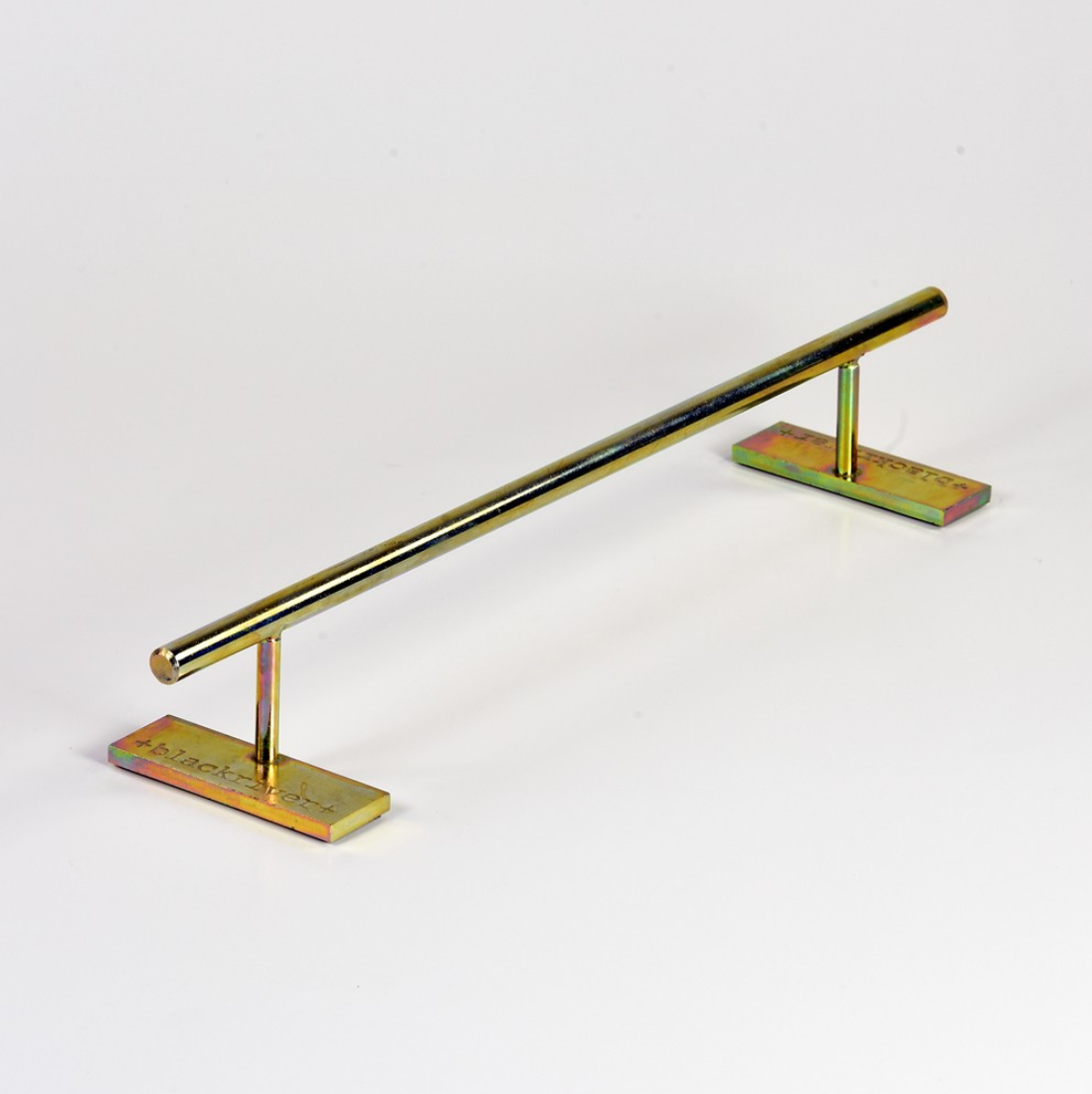 Blackriver ramps - Iron Rail Round Low Gold
