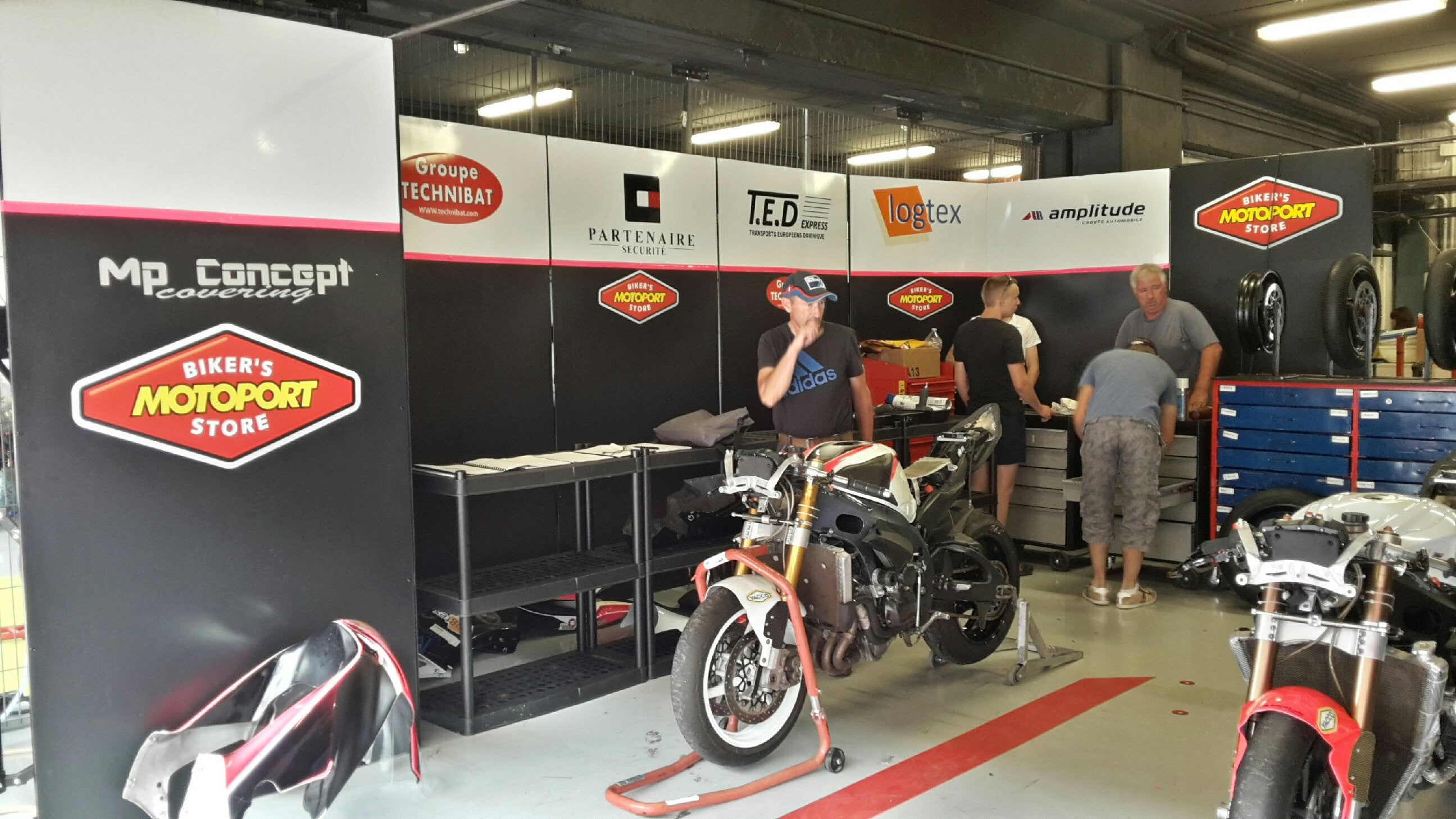 24h de Barcelone : Infini Team / MotoPort France