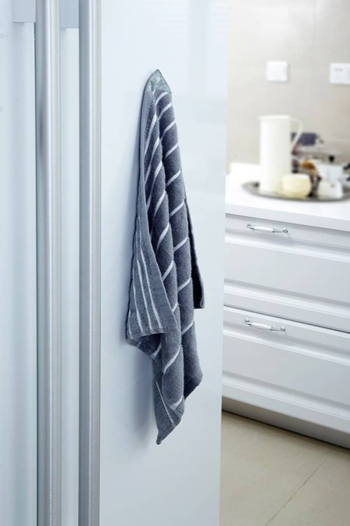 Full Circle - Stick 'em Gray Magnetic Handy Kitchen Towel