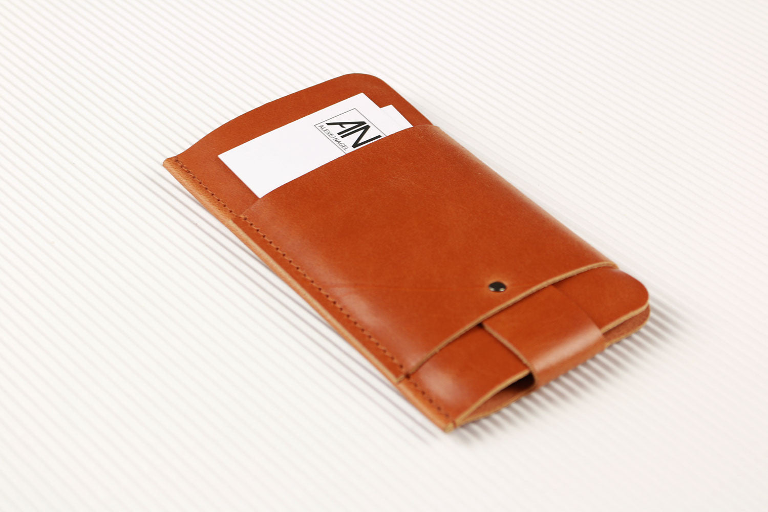 iPhone 6 Plus/6S Plus/7 Plus Slim Fit Hülle aus Leder - Cognac