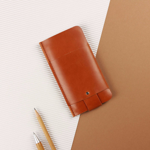 iPhone 6 Plus/6S Plus/7 Plus/ 8 Plus Slim Fit Hülle aus Leder - Cognac