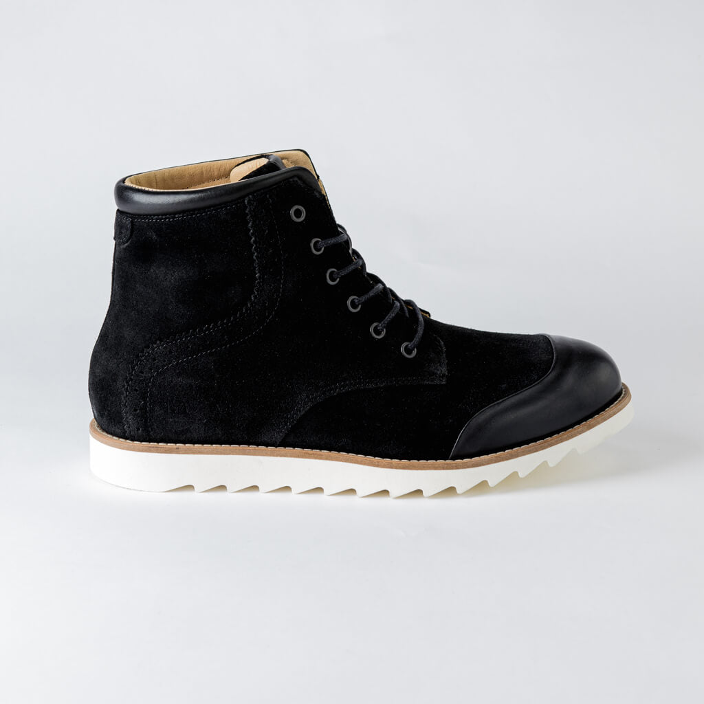 LACE UP BOOT - Black