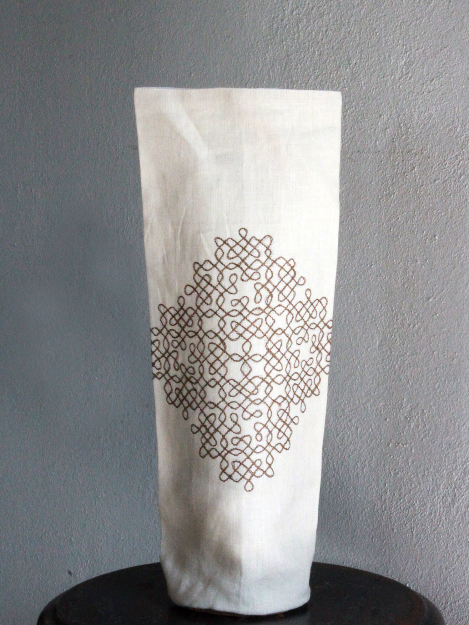 BOOZY BAG | LINEN WHITE KOLAM