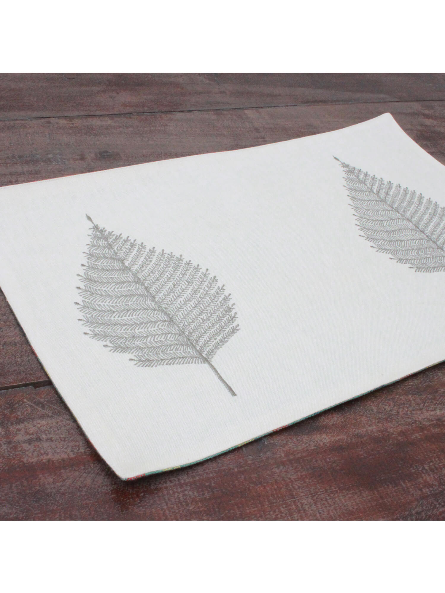 MAT | LINEN WHITE FERN LEAF