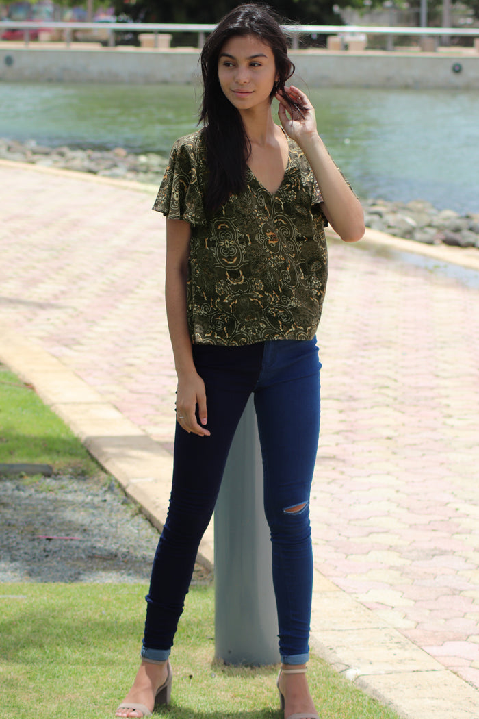 Green Motif  Top | IQ-103