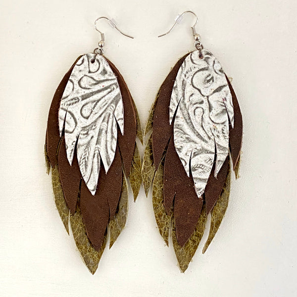 Bohemian Leather Feather Earrings / Ivory and earth tone