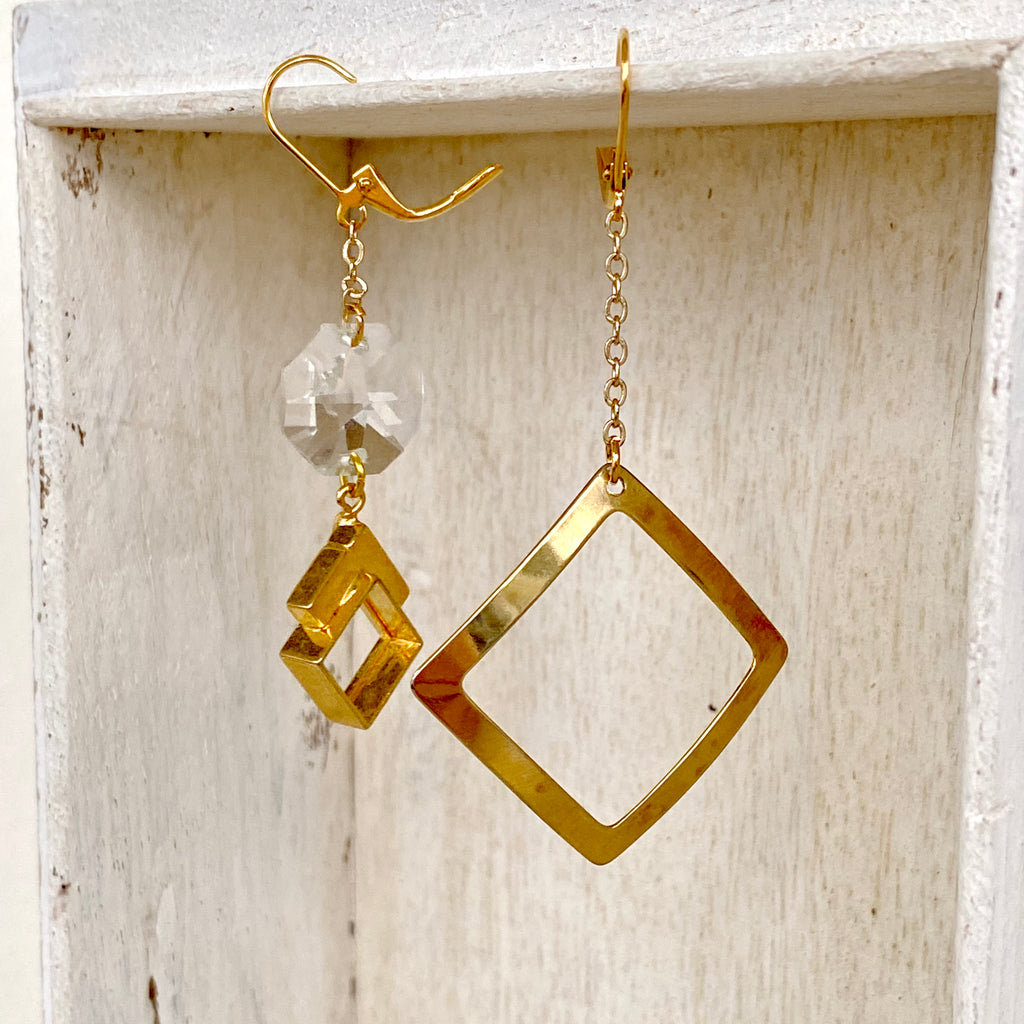 Asymmetrical Earrings / Geometric crystal