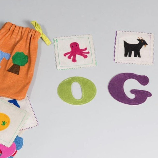 English Sounds Bag - Child's Cup Full
