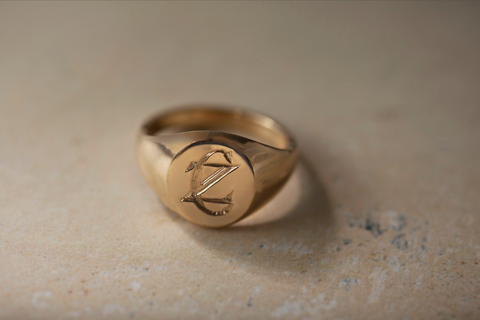 personalised custom engraved signet ring laura lee jewellery 9ct gold