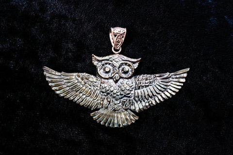Owl Pendant - Dark Mother of Pearl - Silver Plated Bail