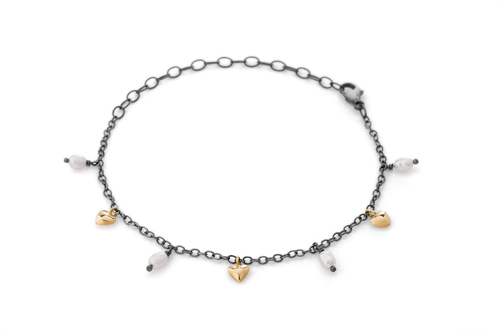 Milagros - bracelet - gold hearts and pearls
