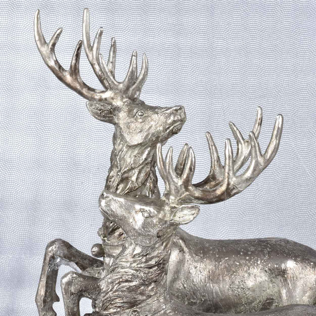 Grand Reindeer with Sleigh