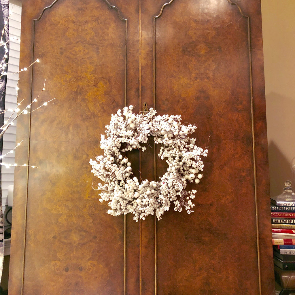 White Snowy Berry Wreath