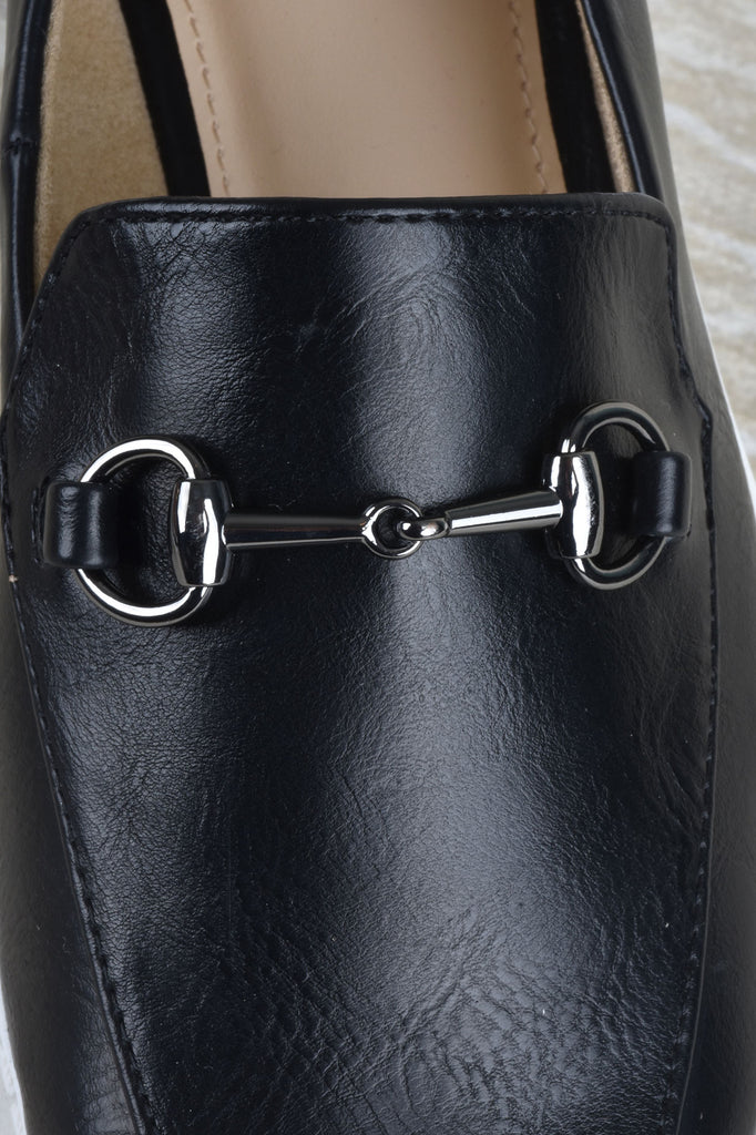 Loafer with Chain Detail