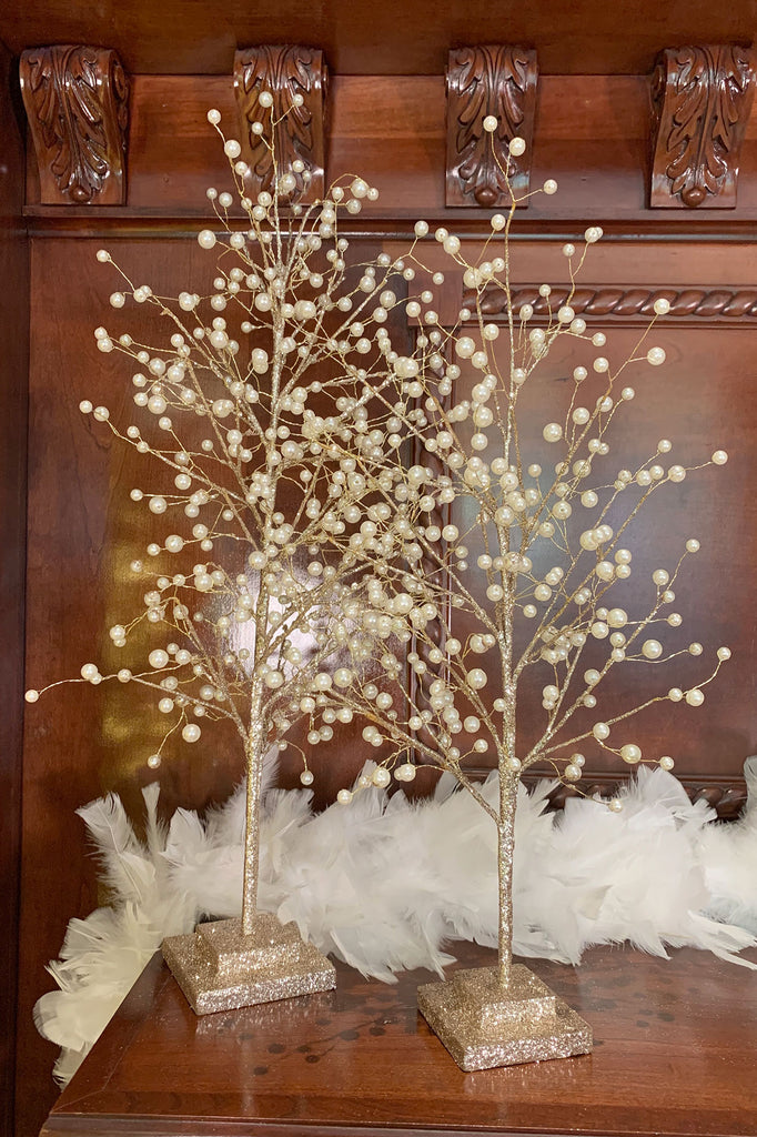 Glittering Trees with Pearls