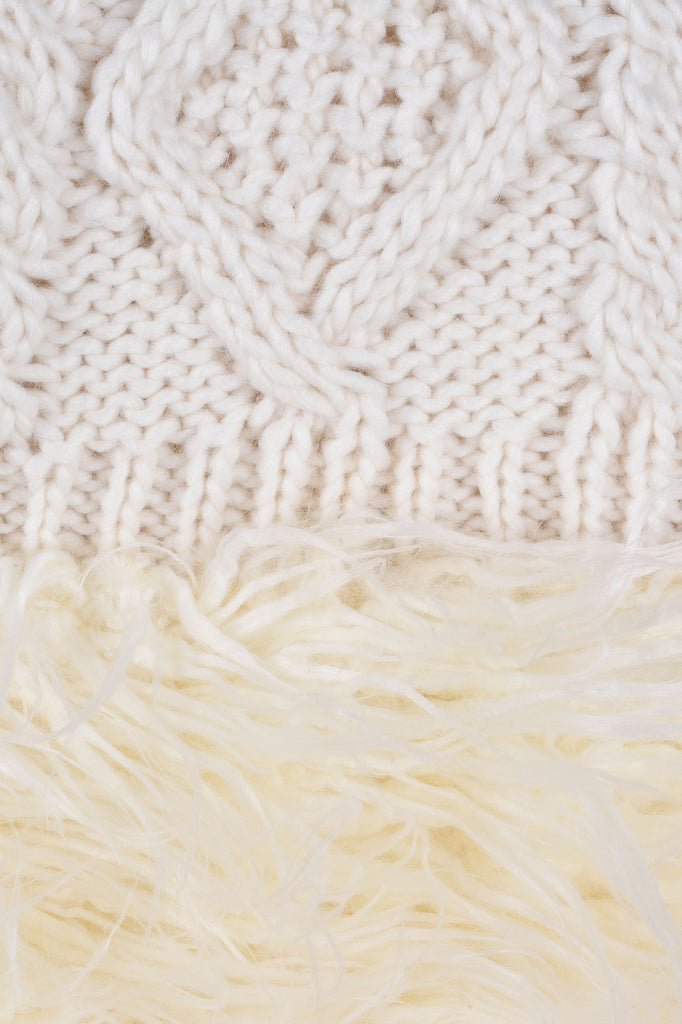 Faux Fur Trimmed Cable Knit Throw