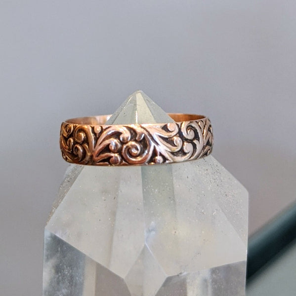Victorian Engraved Swirl Band