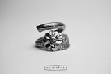 Bulky flower ring