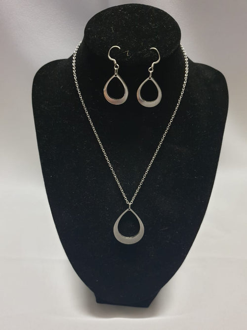 Teardrop Earrings and Necklace