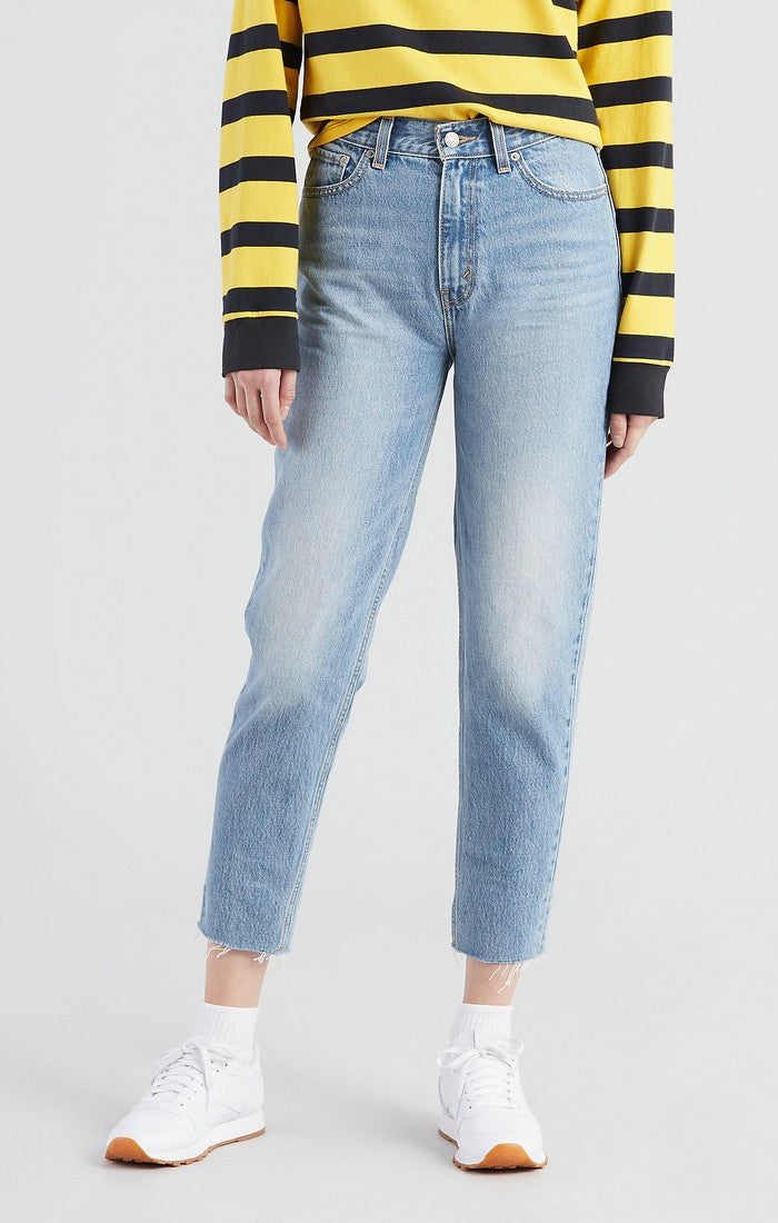Levi's - Mom Jean  - Sneak Peek - Gals