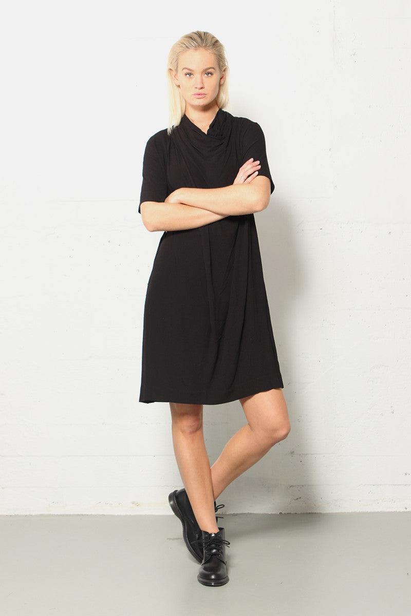 Just Female - Melting Dress - Black- Gals