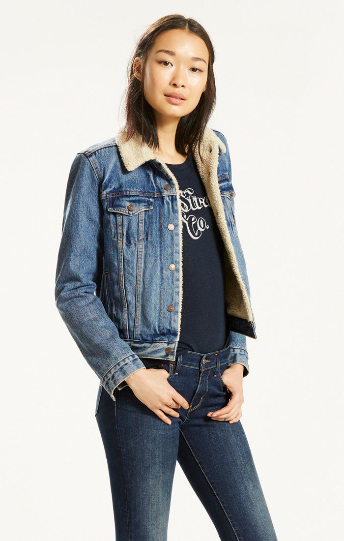 Levi's - Original Sherpa Trucker - Extremely Loveable - Gals