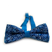 Load image into Gallery viewer, Silver Spirals bow tie