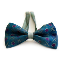 Load image into Gallery viewer, XoXo bow tie