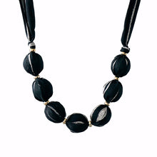 Load image into Gallery viewer, Classique necklace