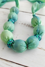 Load image into Gallery viewer, Lime Murano necklace
