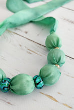 Load image into Gallery viewer, Turquoise Murano necklace
