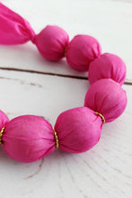 Load image into Gallery viewer, Peony ribbon necklace