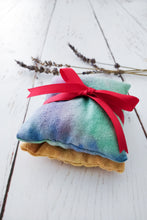 Load image into Gallery viewer, Yorkshire lavender sachets