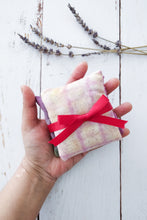 Load image into Gallery viewer, Yorkshire lavender sachet set 1