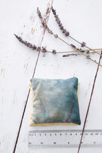 Load image into Gallery viewer, Yorkshire lavender sachet set 2