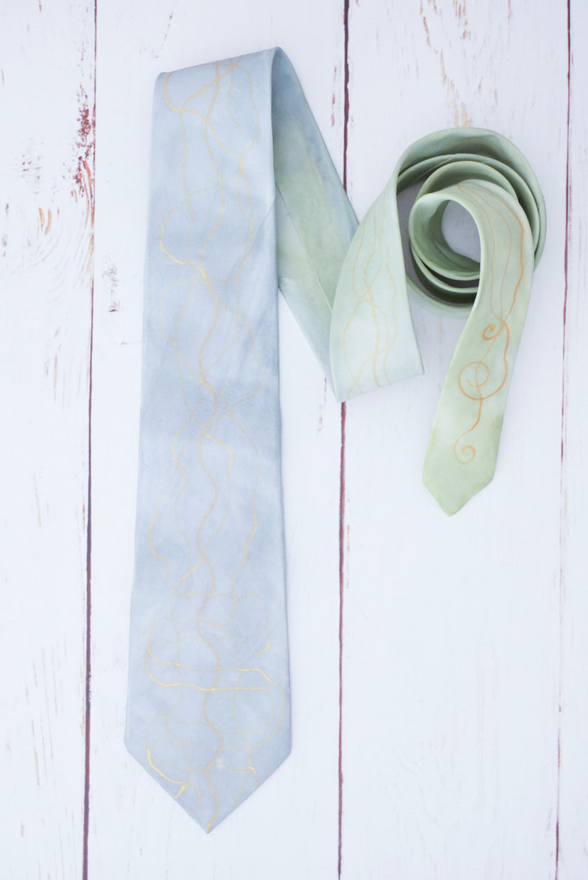 Greensleeves silk tie 8cm blade