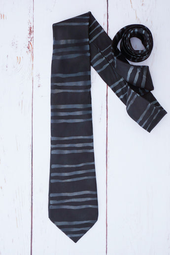 Black striped silk tie 8cm blade