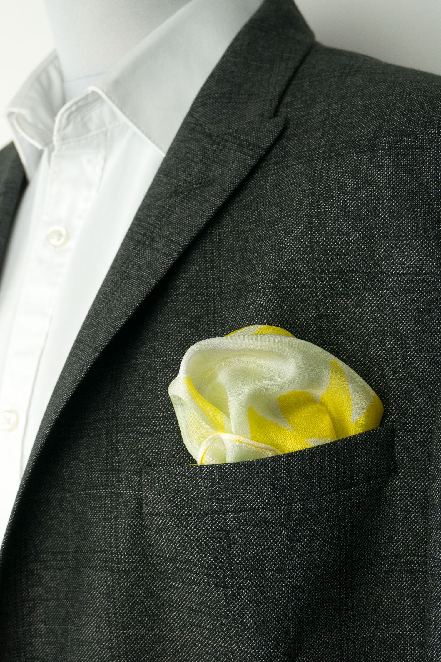 Yellow silk pocket square 28x28