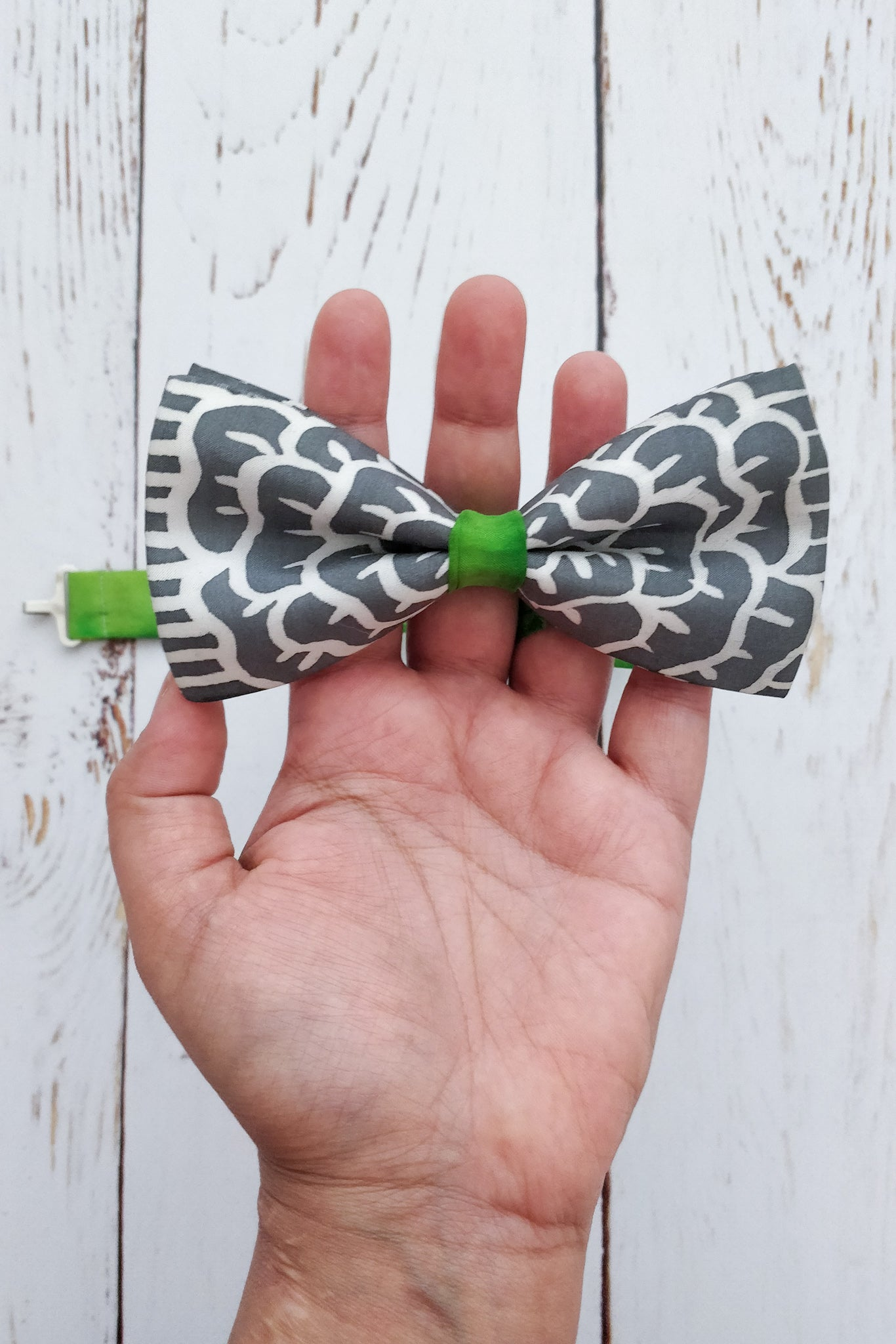 Mr Shamrock Grey bow tie