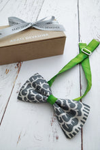 Load image into Gallery viewer, Mr Shamrock Grey bow tie